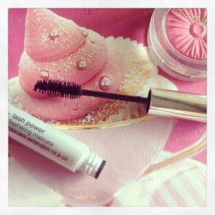 Feathering mascara