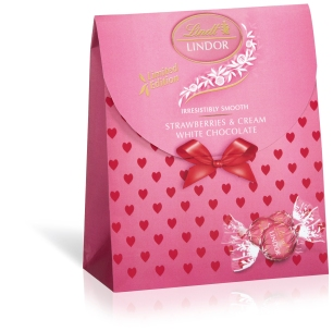 Lindor Gift Bag Strawberries & Cream 125g - Recommended RSP R71.99 copy_Small